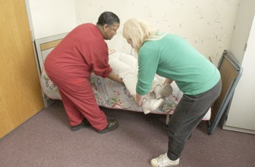 Government agency steps up efforts to reduce nursing home worker injuries