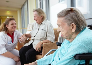 Nursing homes better for handling dementia patients, study suggests