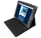 Wireless keyboard and case makes iPad cleaning easier