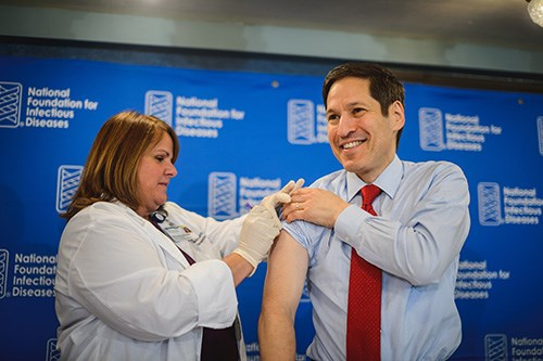 CDC issues new guidelines on pneumococcal vaccine, says LTC flu vaccination rates remain low