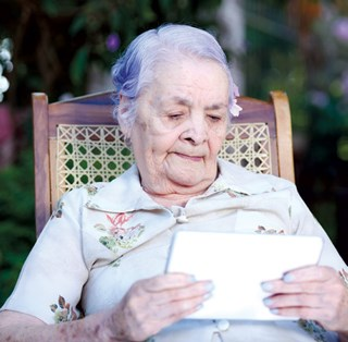 Video chats trim aggression for residents with dementia