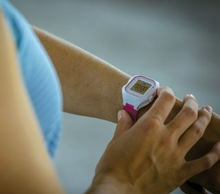 FDA won't regulate fitness trackers and wellness apps