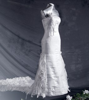 "The ""Bella the Bride"" wedding dress was made from plastic packaging and exhibited in New York."