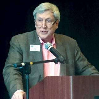 Kramer speaks at NIC's spring forum in San Diego.