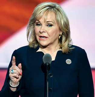Gov. Mary Fallin (R) said a special session was the best option for settling the issue.