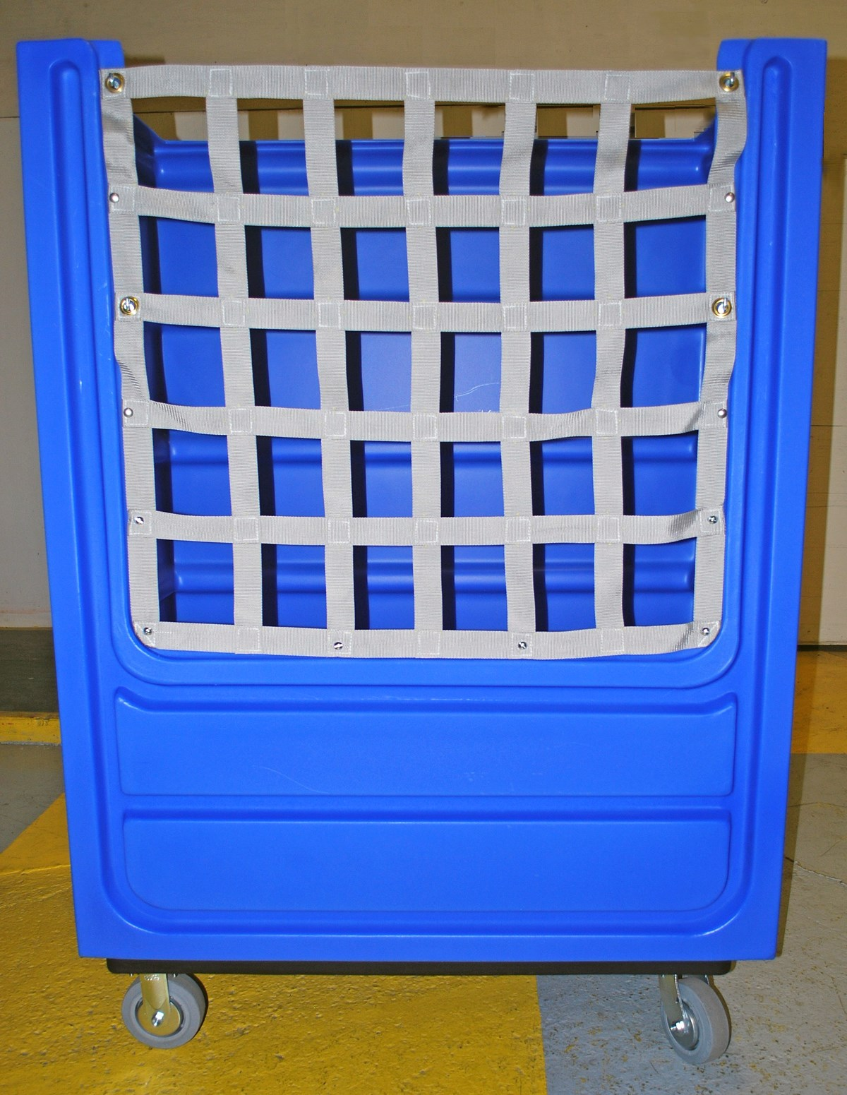 Bulk laundry cart features secure net design